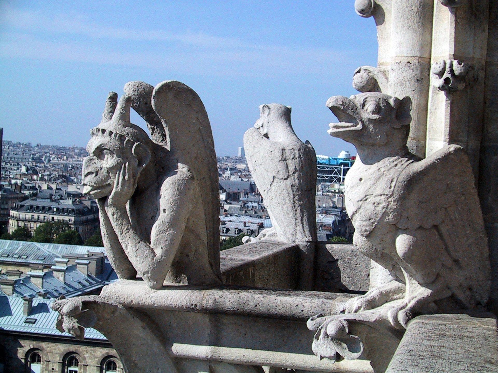 Incendie à Notre Dame : la pierre avant l'humain ?